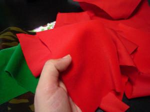 赤いトイクロスの写真