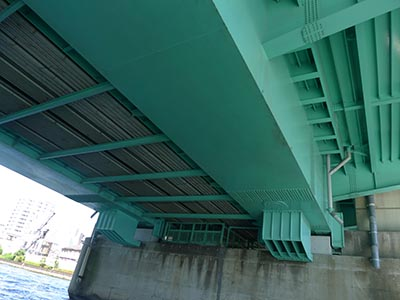 隅田川大橋の裏