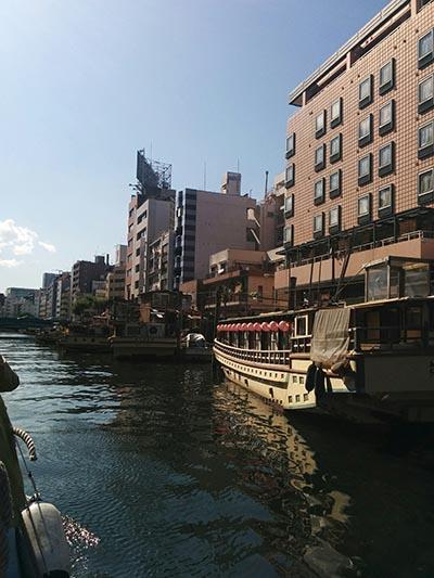 神田川の屋形船