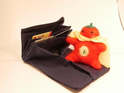 財布販売とトマトマン