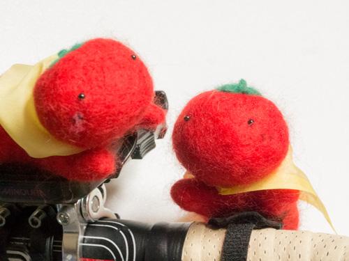 トマトマン人形