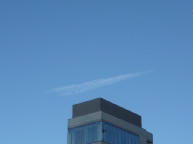 6分後の飛行機雲