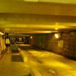 低いトンネル