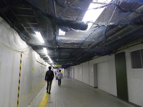 千代田線大手町駅付近通路