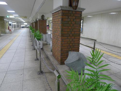 東銀座への地下道