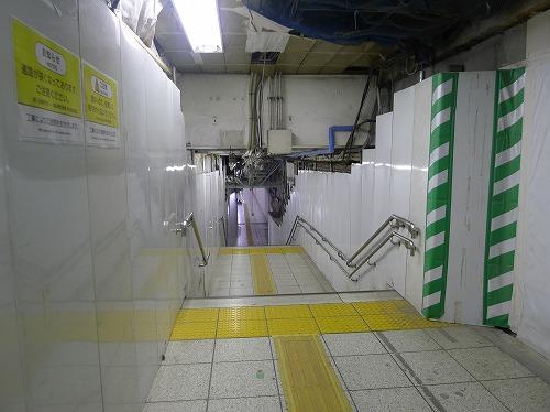 日本橋への通路