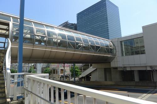 大崎駅への回廊