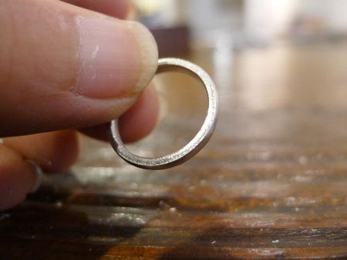 指輪らしくなってきた様子