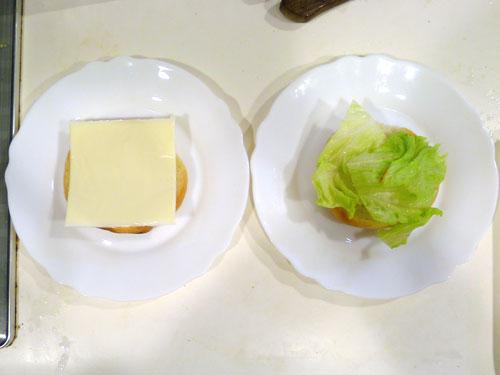 チーズとレタス