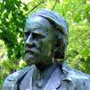 コダーイの銅像