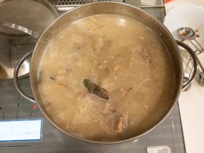 豚骨スープっぽい!