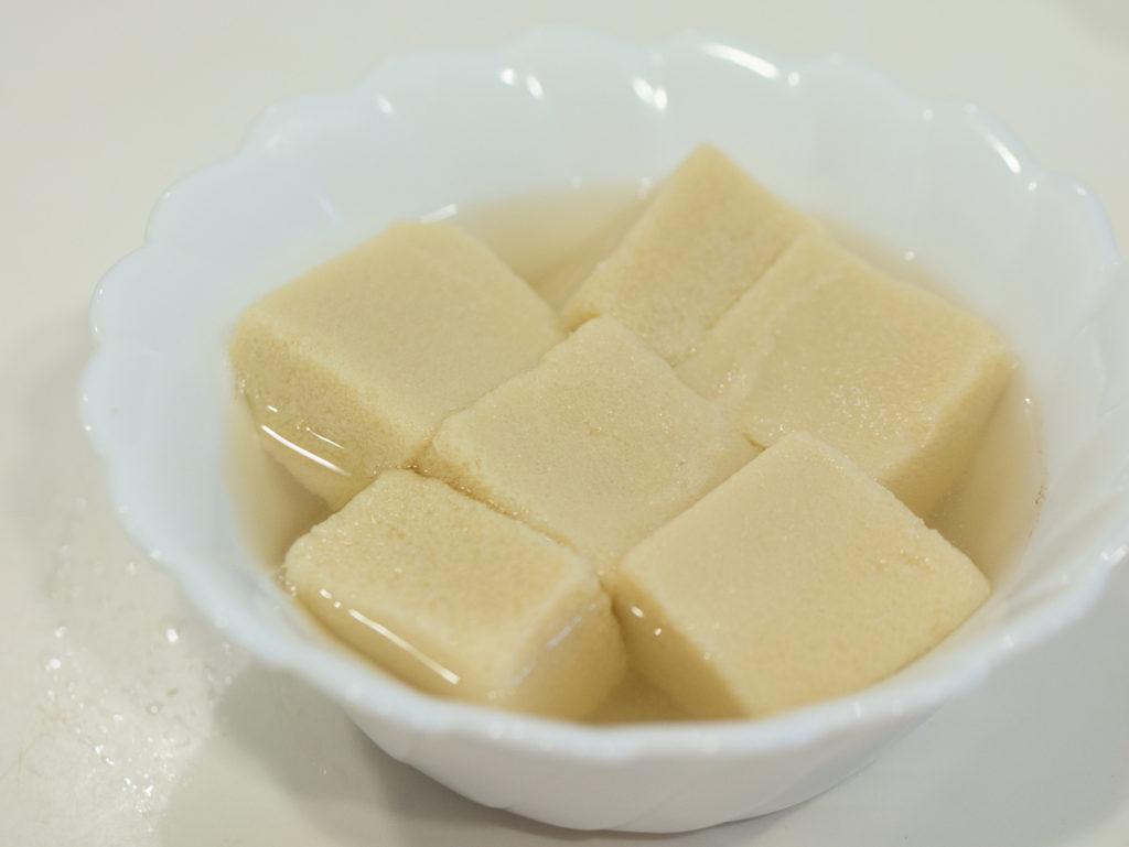 電子レンジ調理の高野豆腐