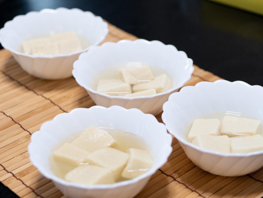 高野豆腐の煮物の実験風景