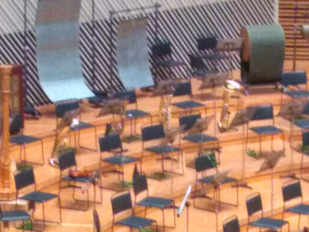 オーケストラのワーグナーチューバのあたり