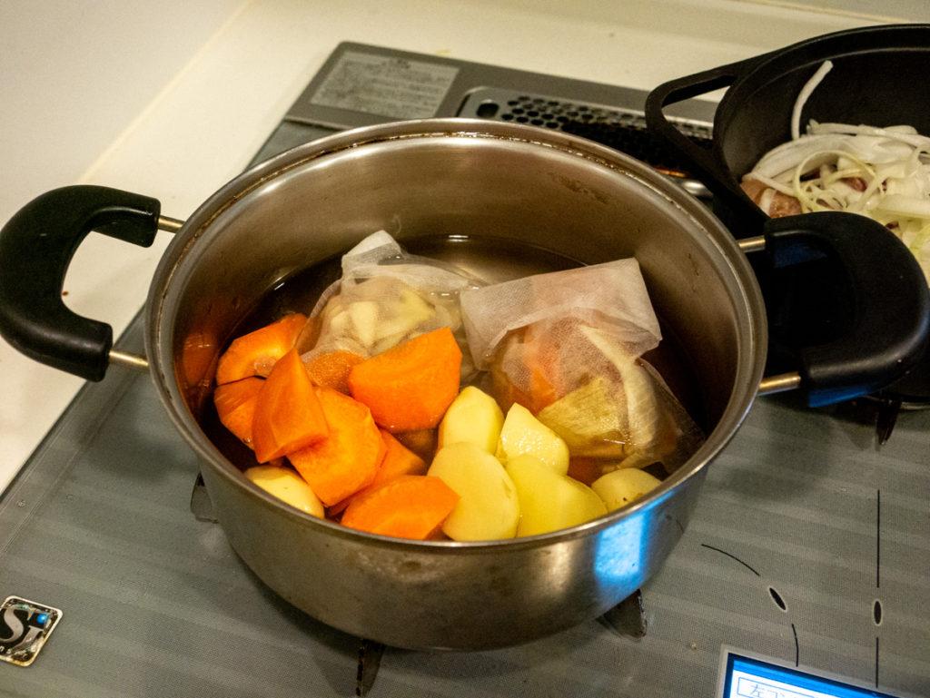 野菜をゆでるところ