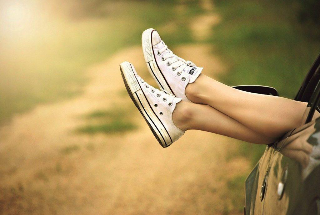 靴を履いている人