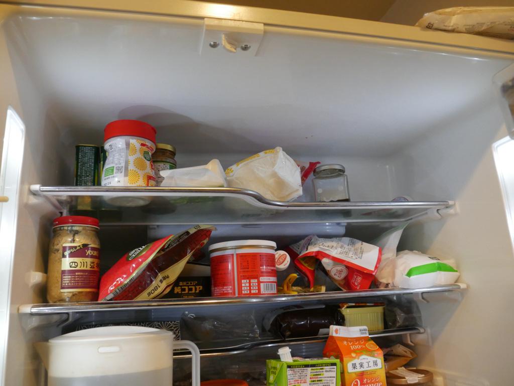 ぐちゃぐちゃな冷蔵庫