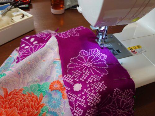 着物ワンピを縫うところ
